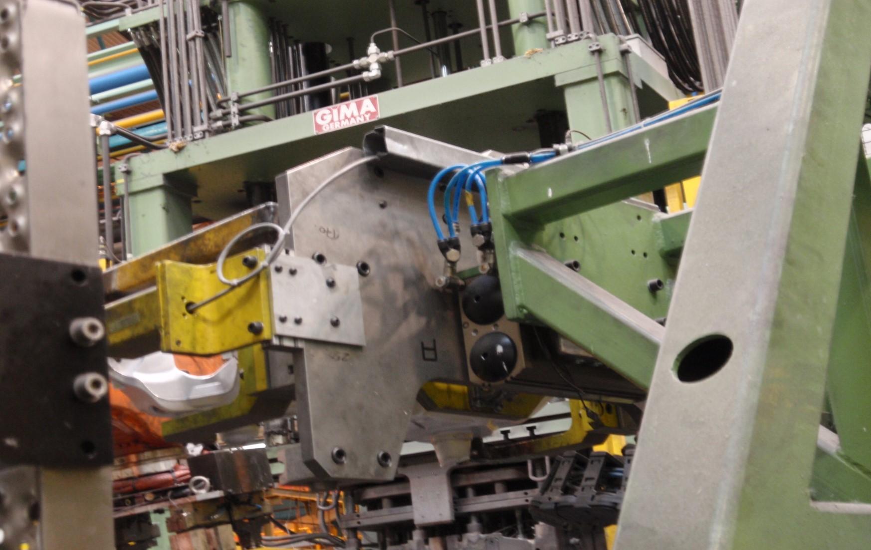 Low pressure die casting cell