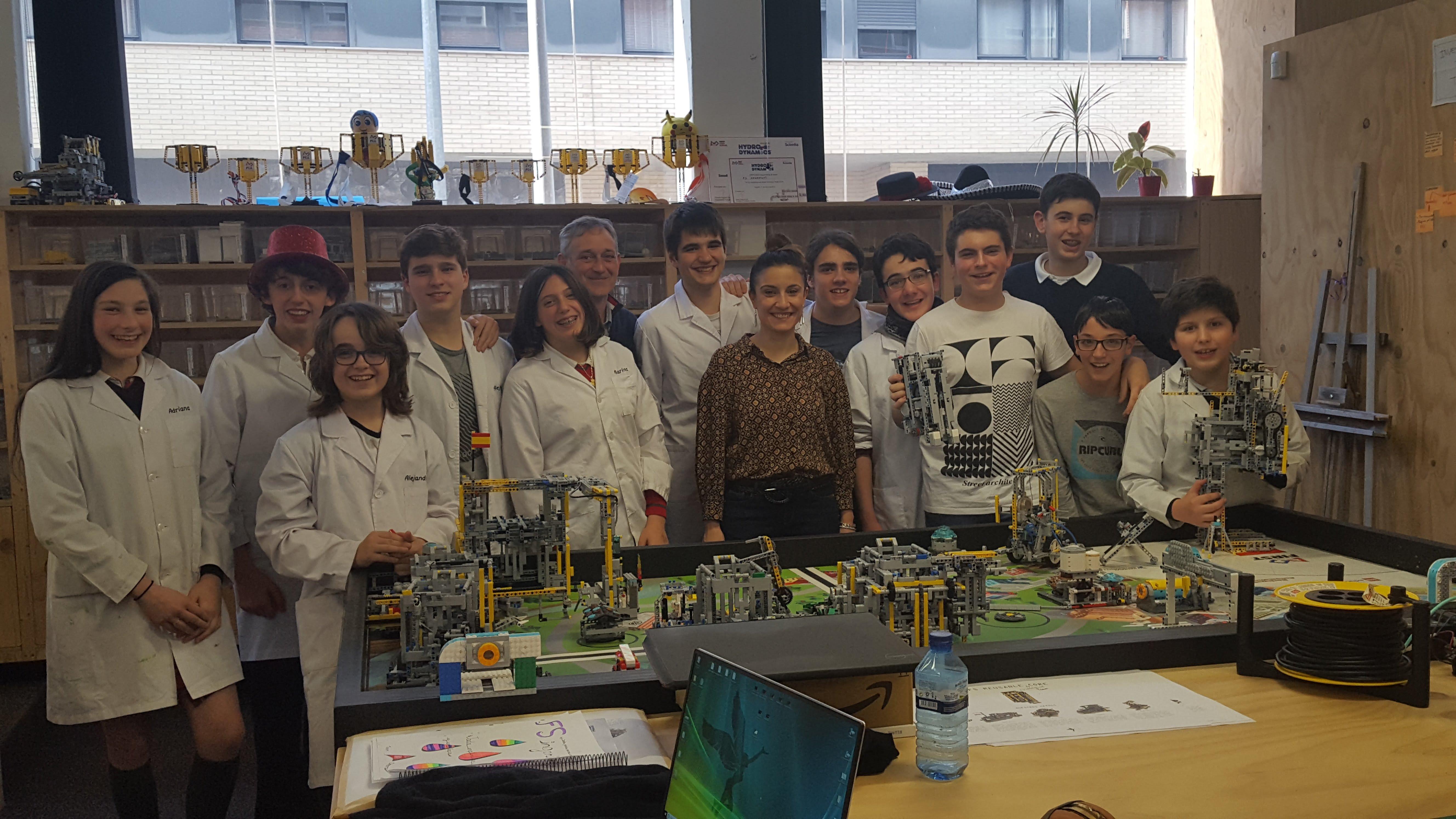 Visita al equipo de FSIngenium Team, campeones de España de la First Lego League